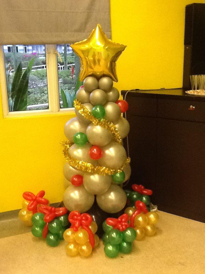 Snappii :: Silver-Christmas-Tree-Balloon-Display